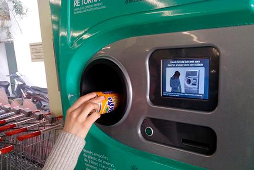 El Gobierno español pondrá en marcha un estudio para implantar el sistema de devolución y retorno de envases