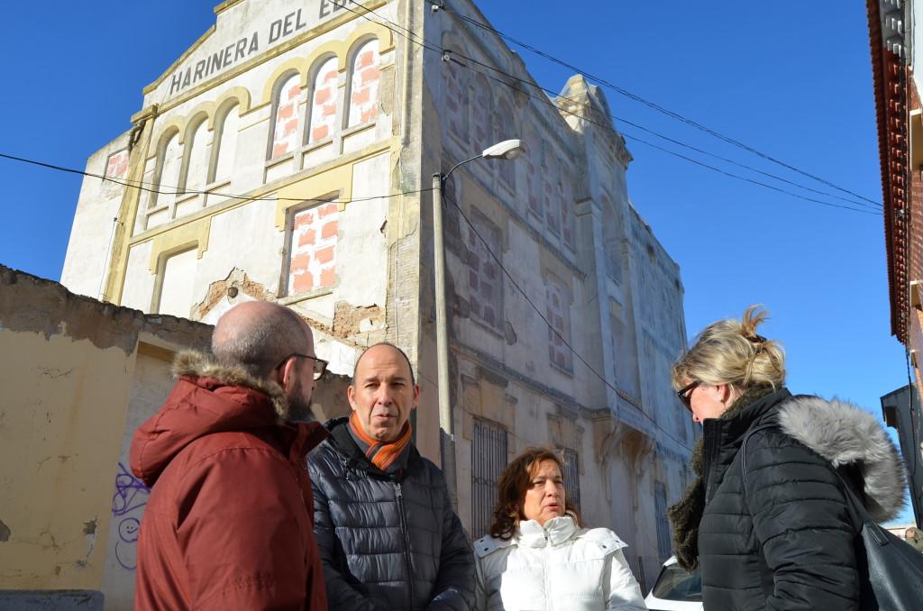 Carmelo Asensio reclama al Ayuntamiento que adquiera la antigua Harinera de Casetas para convertirla en un equipamiento para el barrio