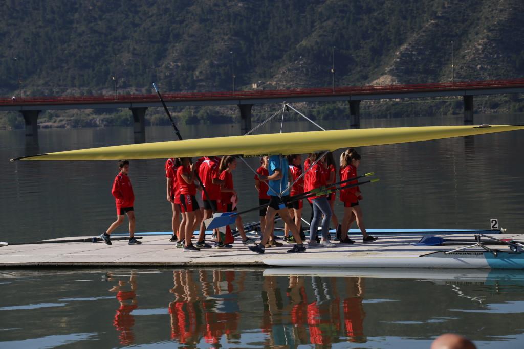 Las nuevas incorporaciones del Capri Club de Mequinensa debutan en una regata de promoción en Castelldefels