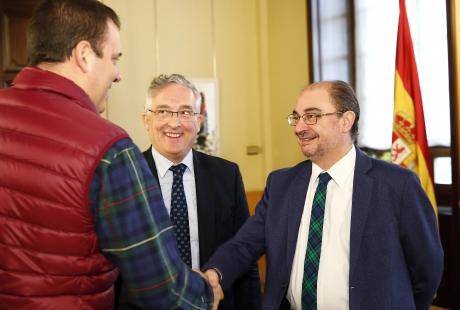 El Gobierno de Aragón y UAGA acuerdan impulsar una ley para regular la representatividad de las organizaciones agrarias