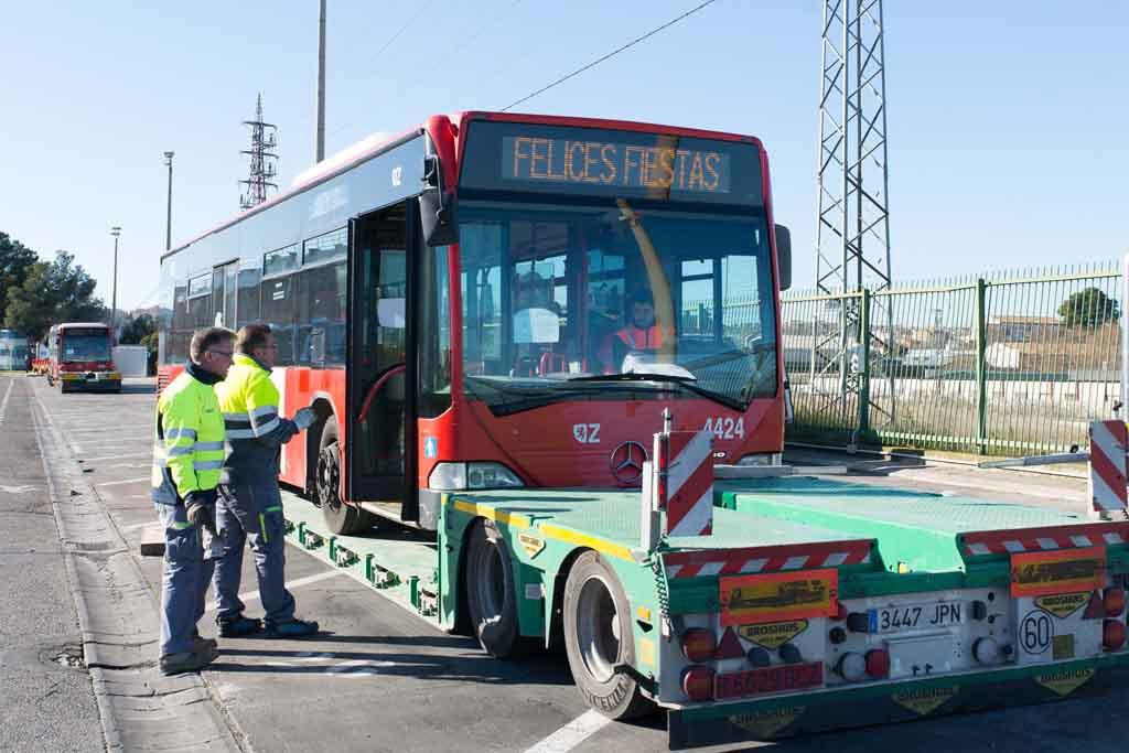 Zaragoza dona tres buses a Senegal para facilitar el transporte de estudiantes