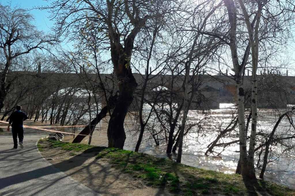 """La crecida del Ebro se encuentra """"muy por debajo"""" de los valores de abril de 2018"""