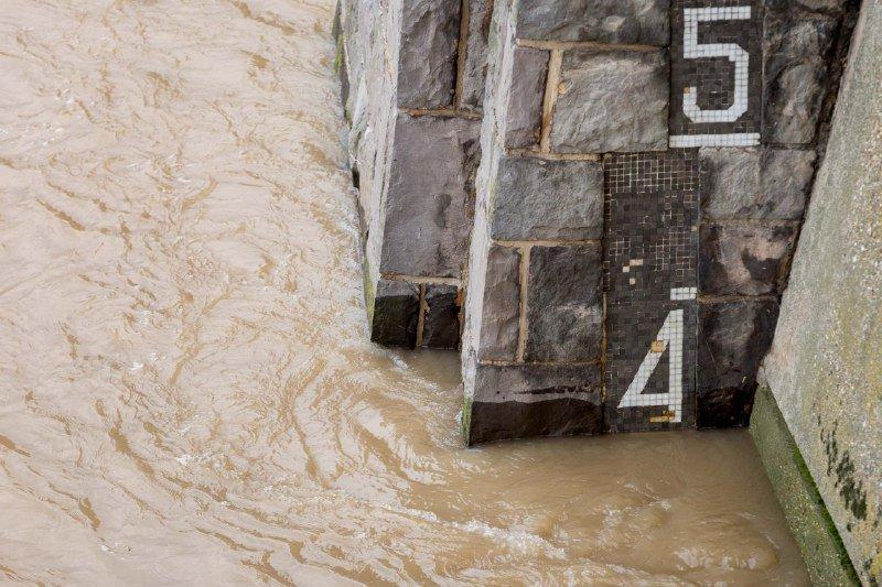 La crecida del Ebro alcanza su punta en Zaragoza sin causar daños ni incidencias destacables