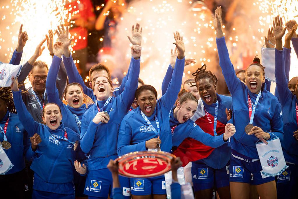 La selección francesa suma al Mundial su primer título en un Europeo de balonmano femenino