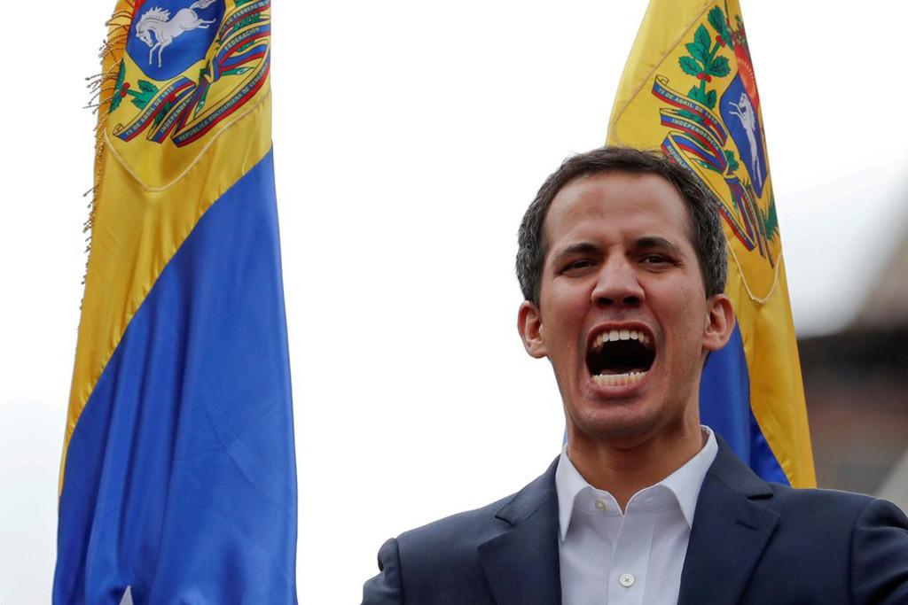 PP y Cs piden a Sánchez que reconozca a Guaidó, Sánchez y la UE reclaman elecciones y la izquierda denuncia el golpe