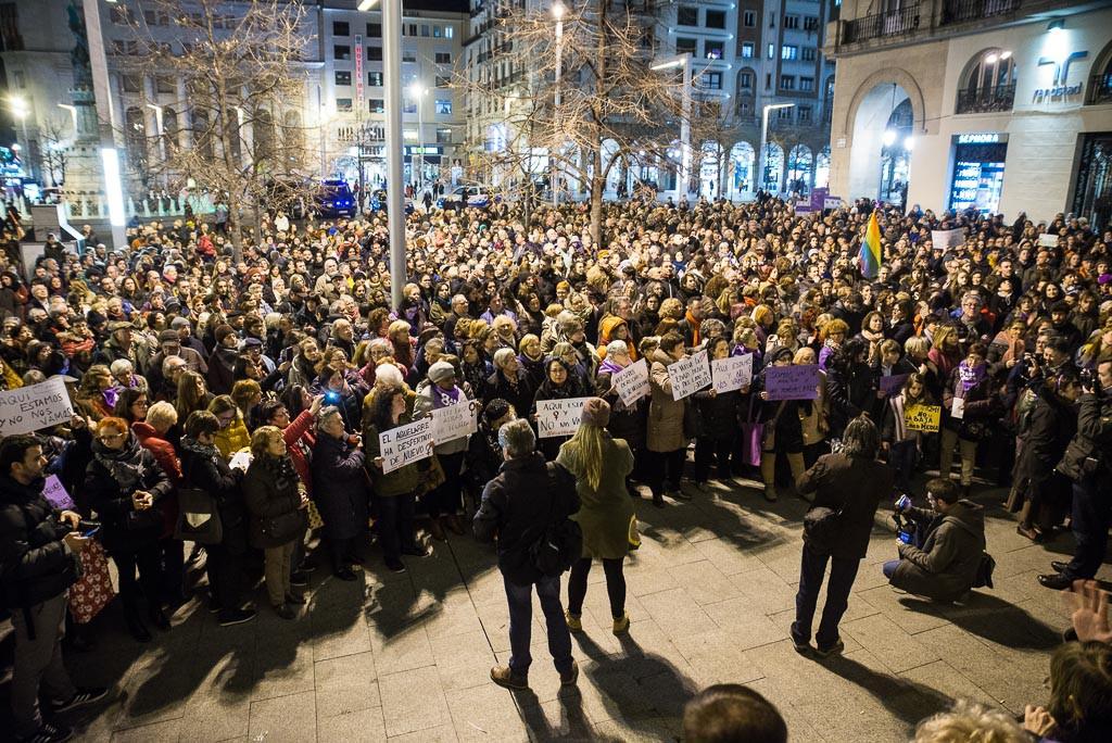 El movimiento feminista de Aragón se manifiesta en apoyo a sus hermanas andaluzas contra la ultraderecha