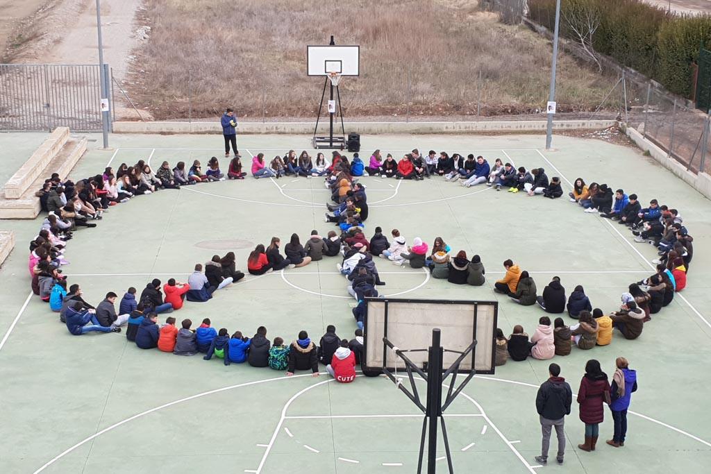 Las Federaciones de asociaciones de estudiantes de secundaria celebran el Día Escolar por la Paz