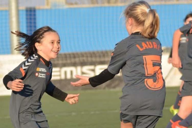 La Peña Albahaca Reberde organiza en Uesca el primer torneo de fútbol femenino
