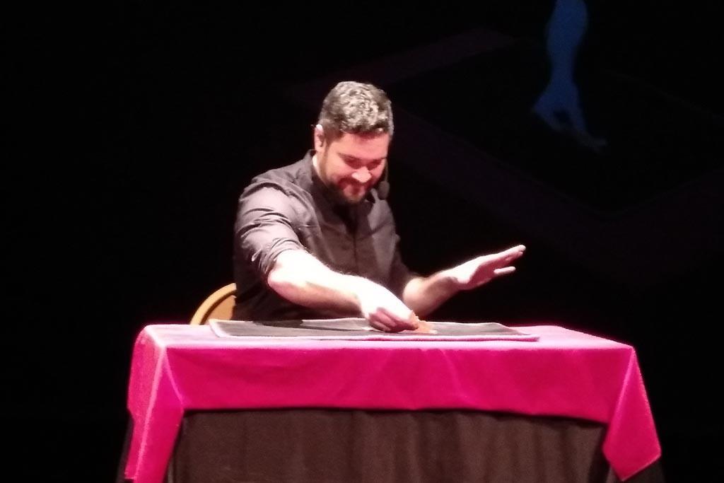 El ilusionista malagueño Luis Olmedo gana el Primer Premio del Concurso de magia del III Memorial Pepe Carroll
