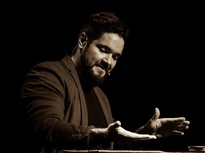 Luis Olmedo, reciente ganador del III Memorial 'Pepe Carroll', actúa en El Sótano Mágico