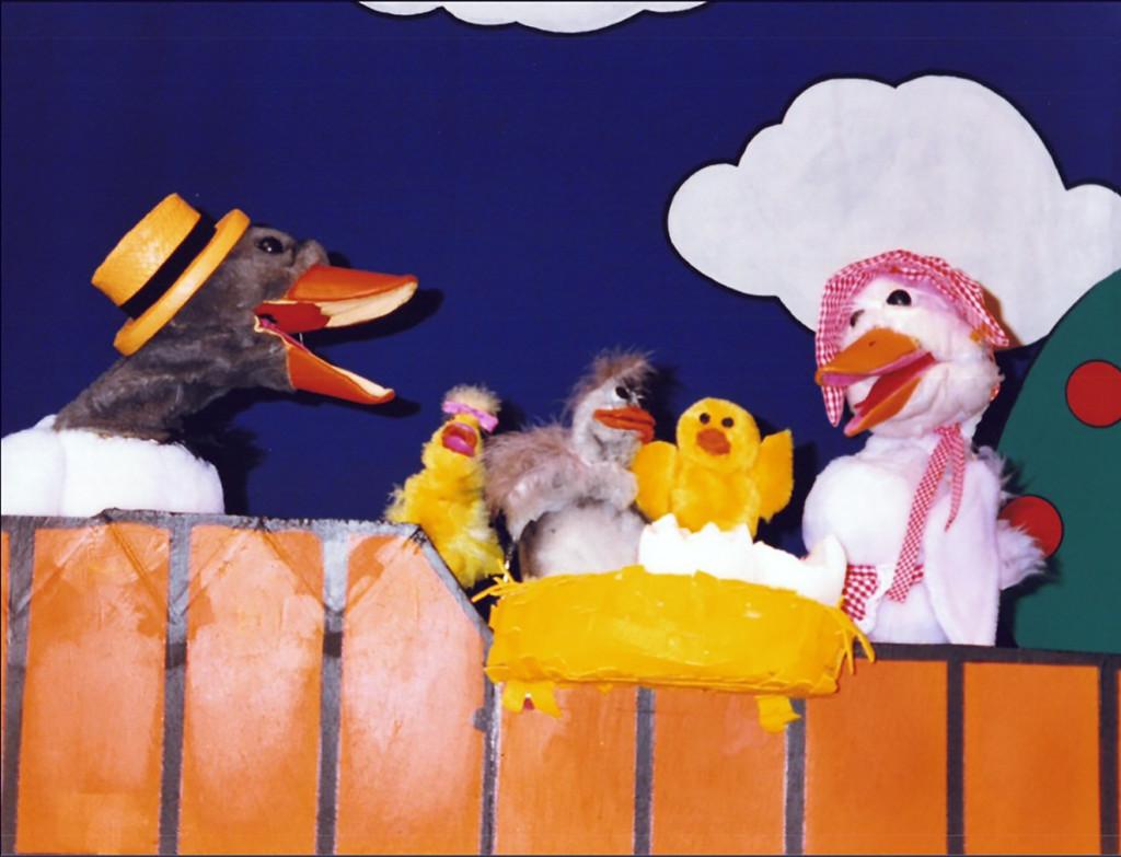 Teatre de la Caixeta presenta este fin de semana una divertida y emocionante versión de 'El patito feo'