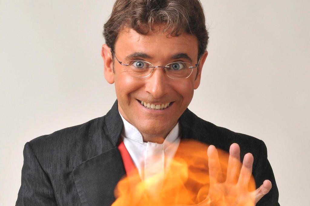 Ilusionismo clásico con Enric Magoo en El Sótano Mágico