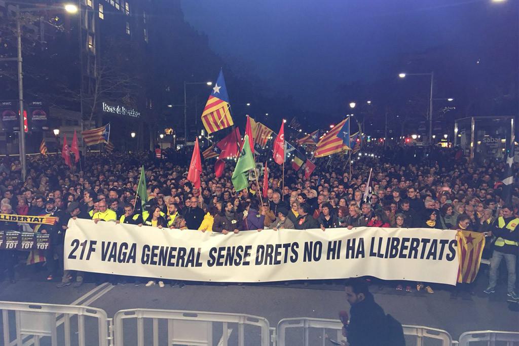 """Jordi Sànchez desmonta las acusaciones de rebelión mientras Catalunya vive su tercera huelga general por """"libertad y democracia"""""""