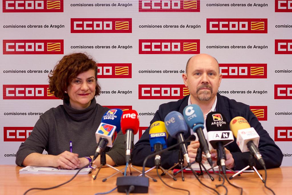 Las trabajadoras aragonesas cobran 5.526 euros al año menos que los hombres, es decir un 25,1% menos