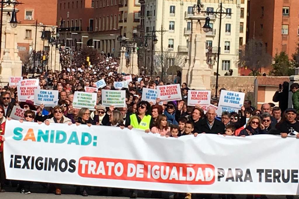 Marcha histórica en Teruel para denunciar la marginación sanitaria que sufre el sur de Aragón