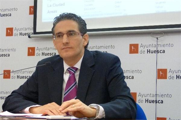 El exconcejal del PP de Uesca Luis Irzo condenado a cinco años de cárcel por maltratar a su mujer y sus hijos durante años