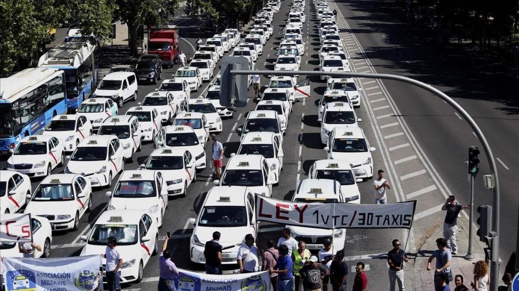 """CGT denuncia el """"abuso"""" de las empresas VTC en defensa de un servicio de taxi """"público y de calidad"""""""