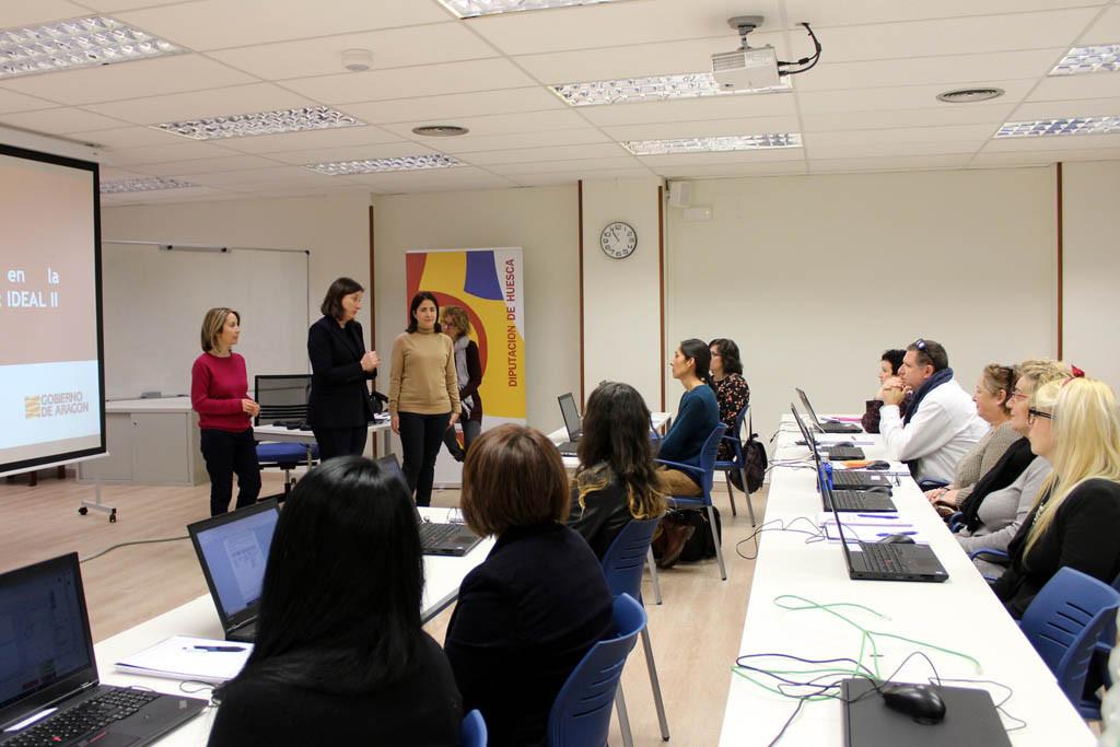 Un taller de administración digital para personas desempleadas que desean quedarse en sus comarcas