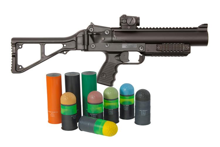 LBD 40, arma y municiones.