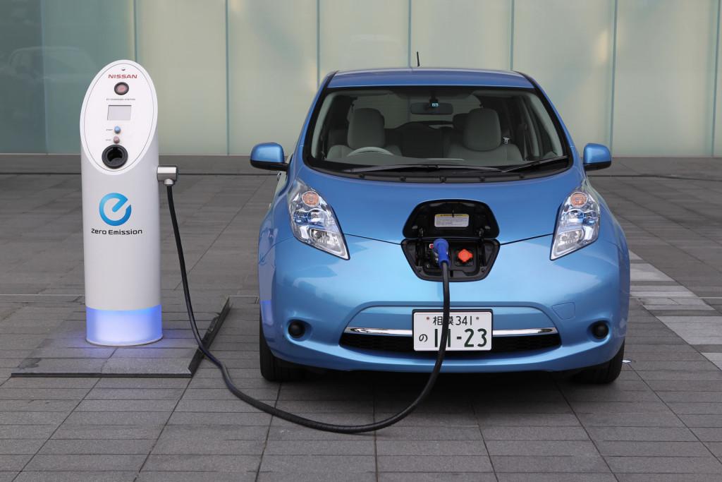 CHA solicita la creación de puntos de recarga eléctrica en Tamarit para fomentar los vehículos híbridos y eléctricos