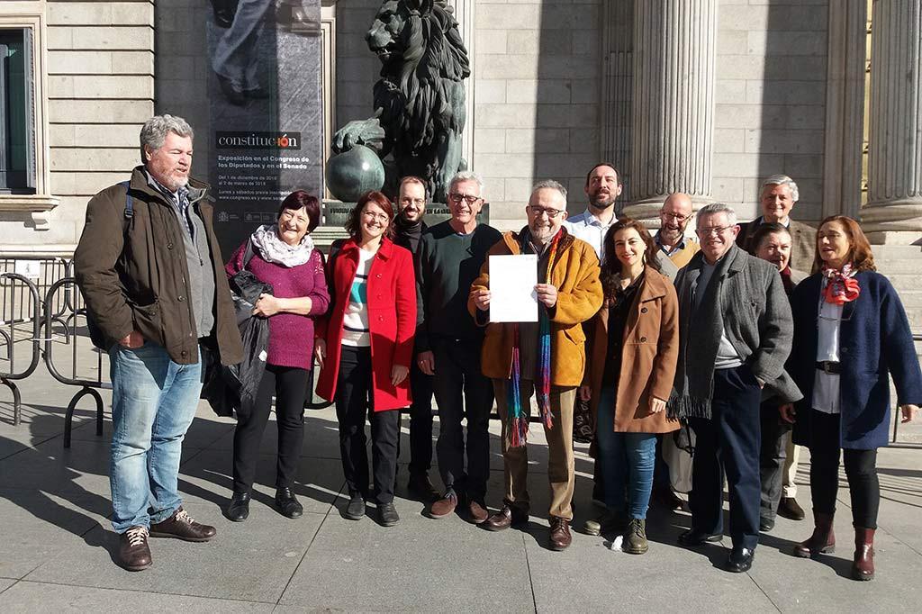 La plataforma InterVegas presenta en el Congreso español una propuesta para proteger los suelos fértiles