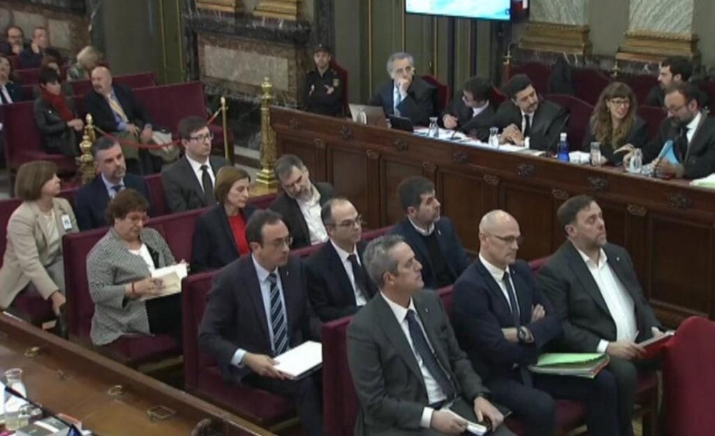 """La Fiscalía se contradice: """"no es un juicio político"""" es """"en defensa del orden constitucional"""""""