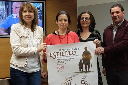 De izquierda a derecha Berta Fernández, Montse Angulo, Patricia Español y Enrique Campo.