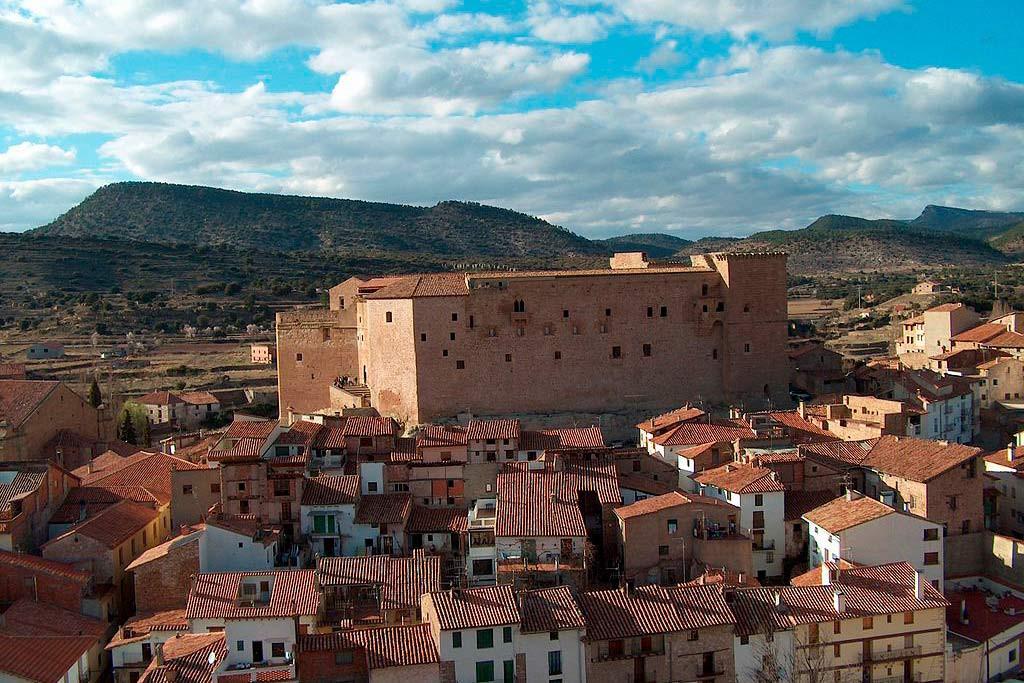 Mora de Rubielos homenajea a tres aviadores soviéticos caídos durante la batalla de Teruel de 1938