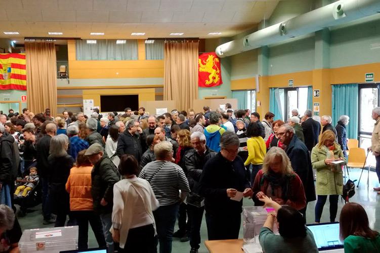 Más de 2.700 personas participan en las primarias de Zaragoza en Común