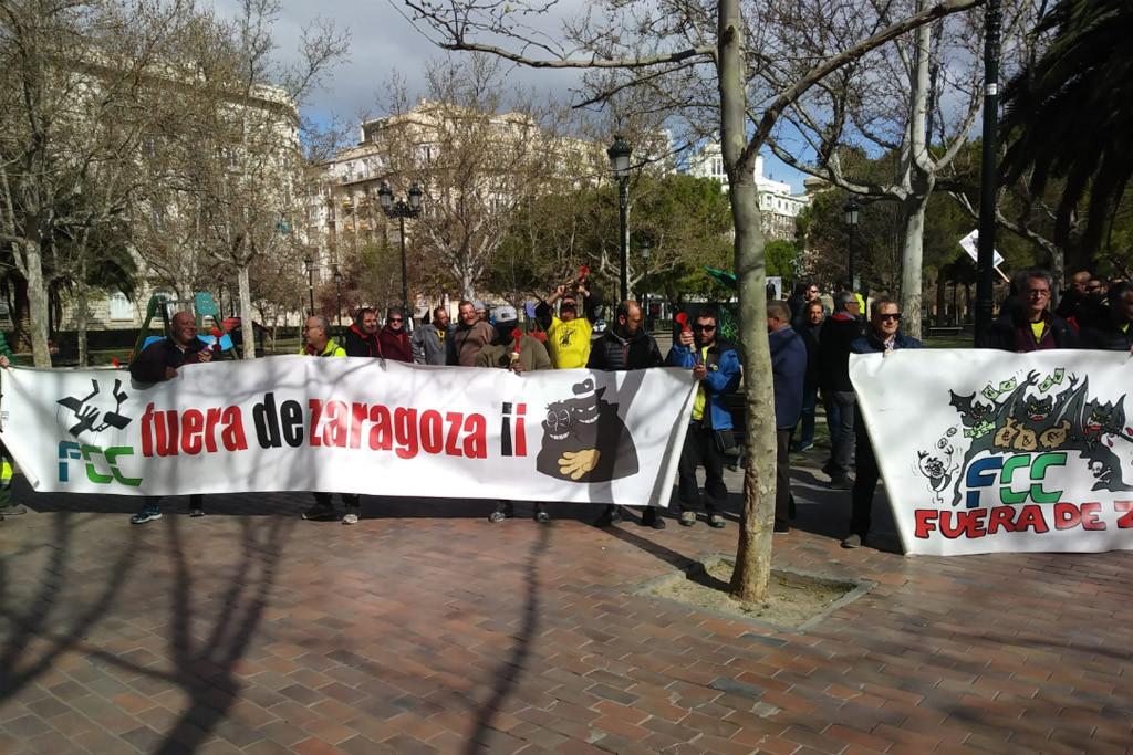La plantilla de FCC Parques y Jardines se vuelve a concentrar frente al TACPA en la tercera jornada de huelga
