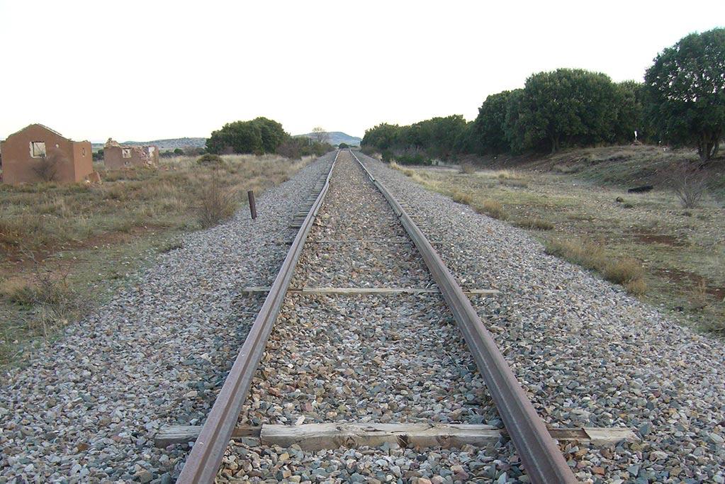 APUDEPA denuncia que no han parado los trabajos de destrucción de la vía del tren de Sierra Menera