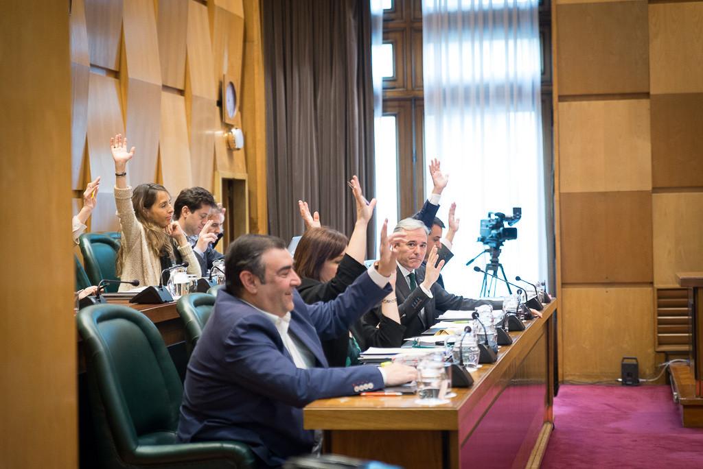 PSOE, PP y Cs, de la mano de nuevo, rechazan el Plan de Vivienda que cuenta con el respaldo de 33 entidades sociales