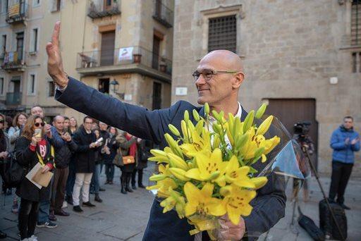 El Senado suspende a Raül Romeva y deja a ERC sin grupo