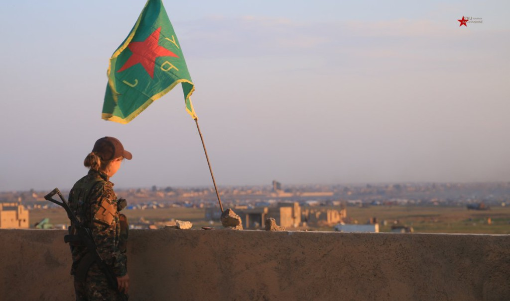 """Fuerzas kurdas anuncian el fin del """"califato"""" del Daesh en Siria"""