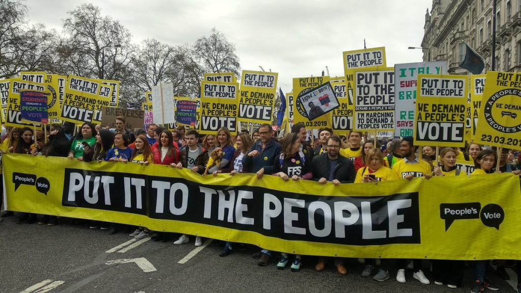 Cientos de miles de personas se manifiestan en Londres para exigir un nuevo referéndum del Brexit