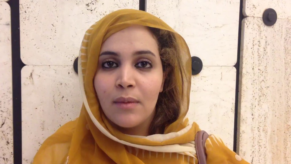 Una periodista saharaui se enfrenta a posible pena de cárcel por grabar una manifestación pacífica en el Sáhara Occidental