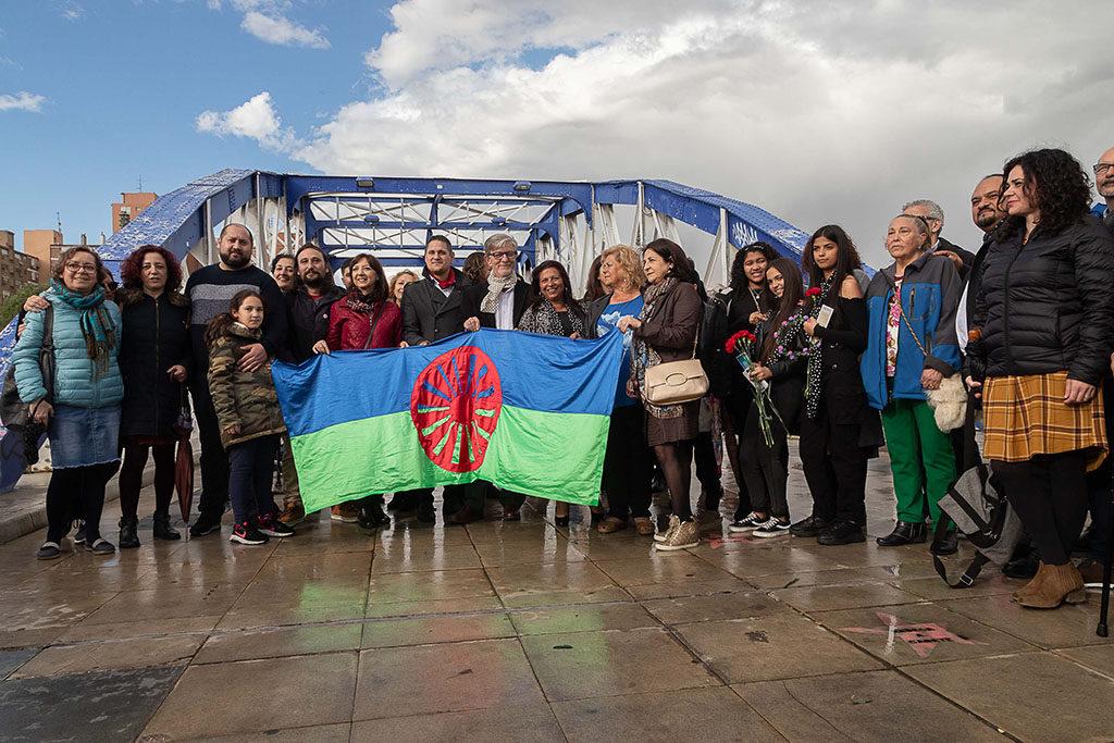 Zaragoza recuerda a las millones de personas del Pueblo gitano que sufrieron el holocausto nazi