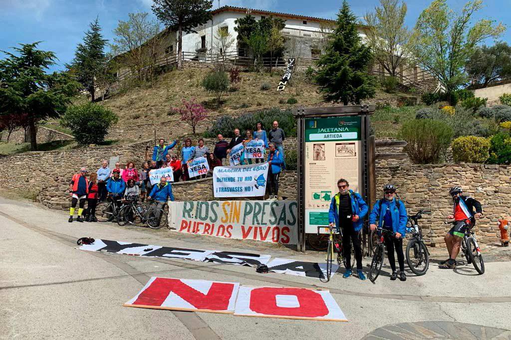 Diario de la Marcha del Ebro: El lindano y los embalses de Biscarrués y de Yesa