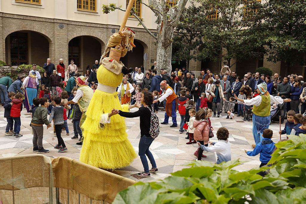 Más de 10.000 personas disfrutan de la festividad del 23 de Abril en el Edificio Pignatelli