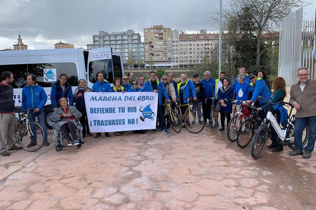 """Activistas aragoneses parten desde Zaragoza a la Marcha del Ebro """"por la gestión pública del agua"""""""