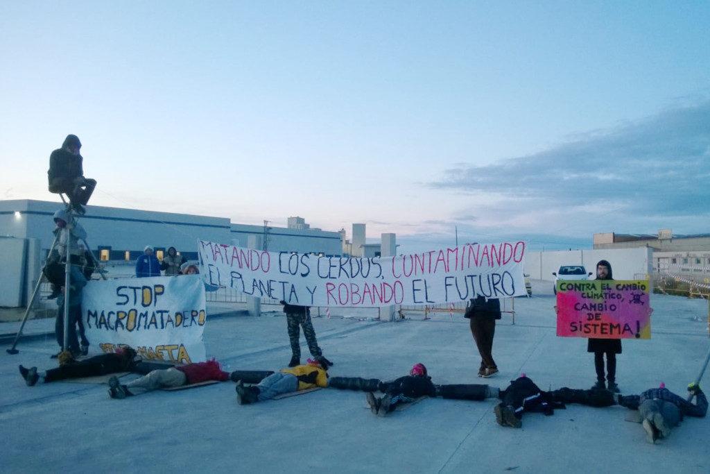 Convocan una marcha antiespecista contra la apertura del macromatadero de Binéfar