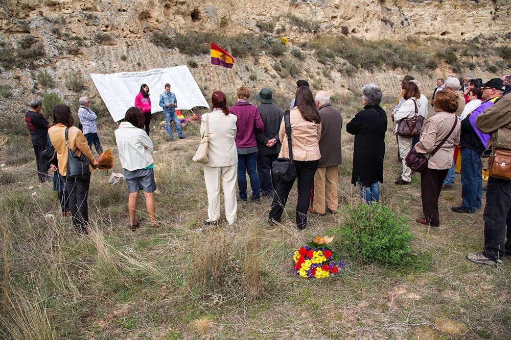 Presentan una solicitud para que el Barranco de la Bartolina sea declarado Lugar de Memoria Democrática