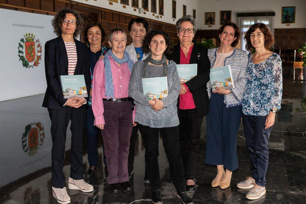 El libro 'Paseos por la Zaragoza de las mujeres' propone rutas y actividades didácticas para conocer cada barrio desde una mirada de género