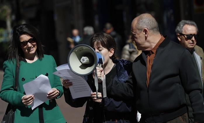 Periodistas de Aragón defienden la libertad de expresión con concentraciones en las tres capitales