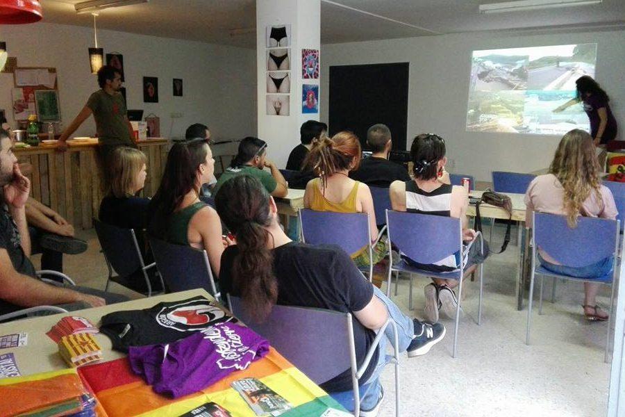 El Centro Social Autogestionado A Ixena de Teruel cumple dos años y lo celebra este sábado
