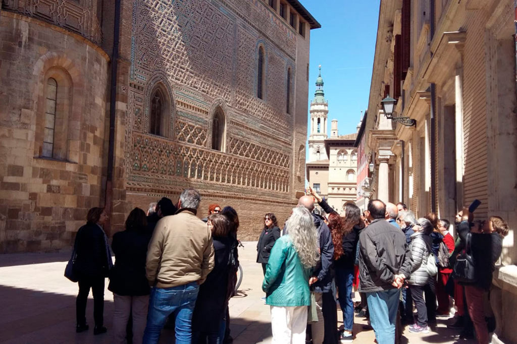La ruta por la Zaragoza Inmatriculada o cómo hacer otro turismo cultural