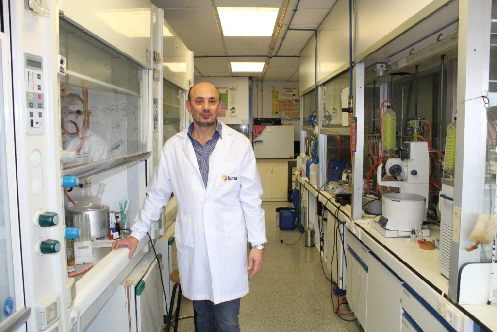 Investigadores del ICMA hallan la molécula ideal para la producción de paneles fotovoltaicos libres de metales