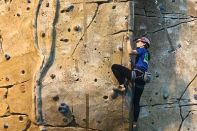 Reconocimiento institucional para María Laborda tras proclamarse campeona del mundo de escalada