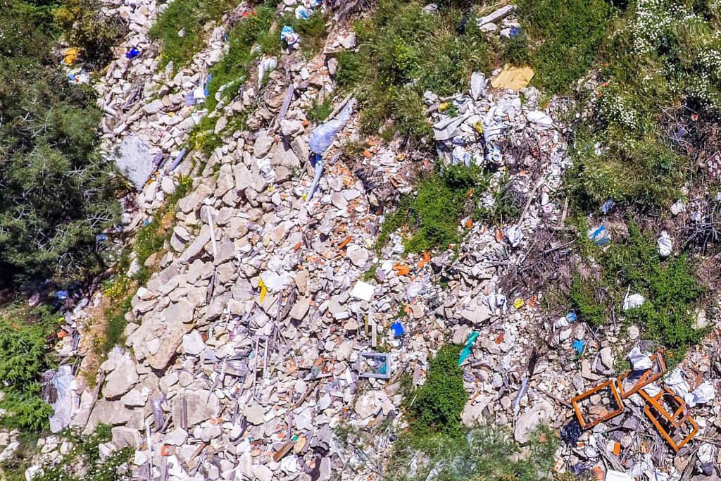 Denuncian que el Ayuntamiento de El Frasno utiliza la Sierra de Vicort como vertedero