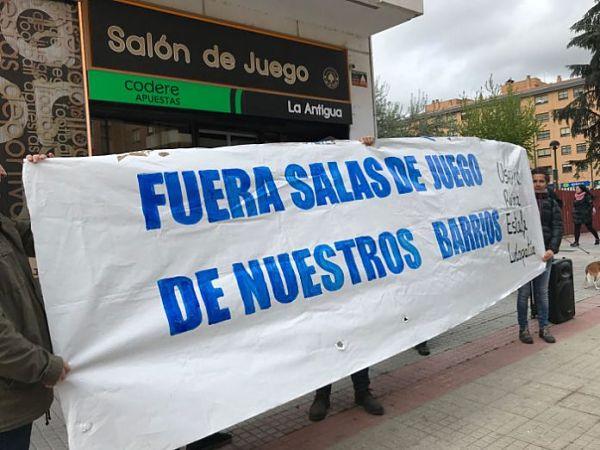 La FABZ exige que se retire la publicidad de casinos de los autobuses municipales